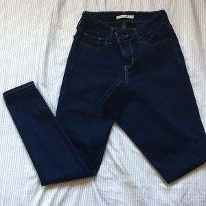 710 Supper Skinny Levi's Jeans/Jeggings W26 L28